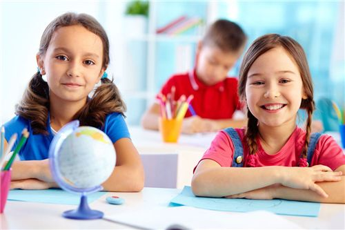 国外教育专家:给点压力孩子才有韧性