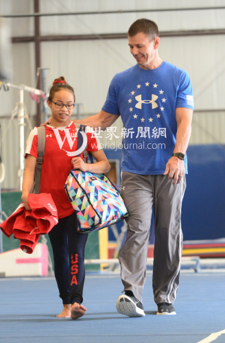 """美华裔体操女孩备战奥运:""""我喜欢飞的感觉"""""""