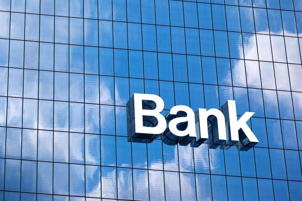 华人在英买房被银行冻结账户 律师支招如何避免