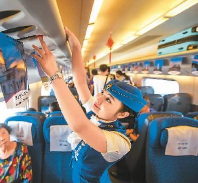 中国建成世界最大高铁网:走出去面临贸易壁垒等问题