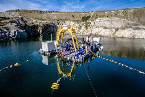 水下机器人入无人之境采矿