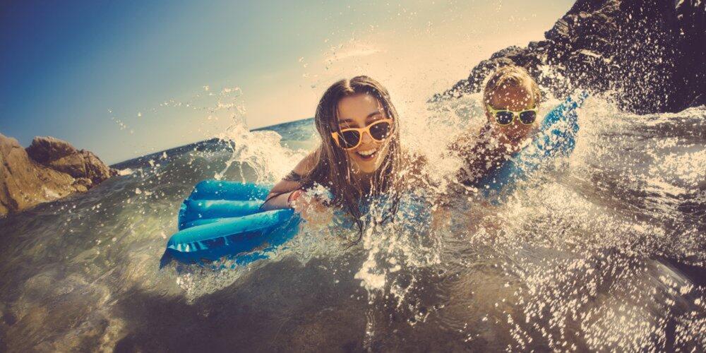 想要去海边也不脱眼妆?3个技巧来帮您
