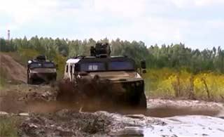 中国产新型装甲车在白俄通过测试