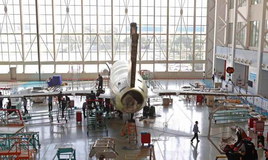 第三架ARJ21飞机顺利运营 后续批生产架次正加紧生产