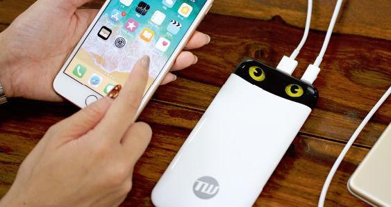 可爱充电宝日本上线:用一双猫眼来显示剩余电量
