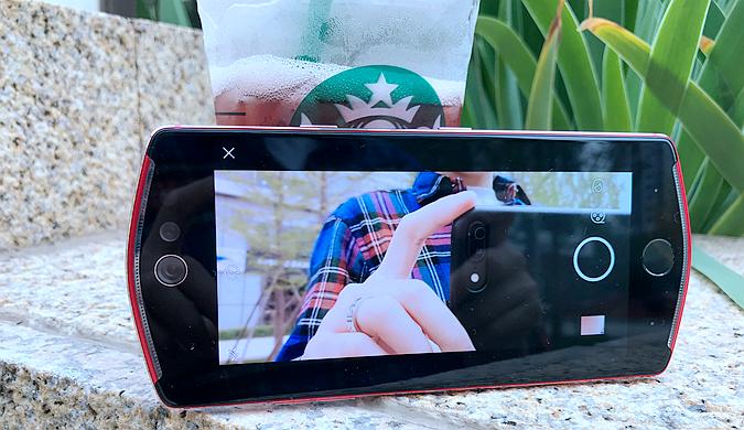 美图T8s试玩:前置双像素双摄像头-数码