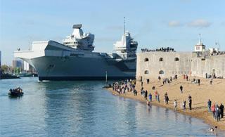 再次出海!英国女王号航母进行第二轮海试