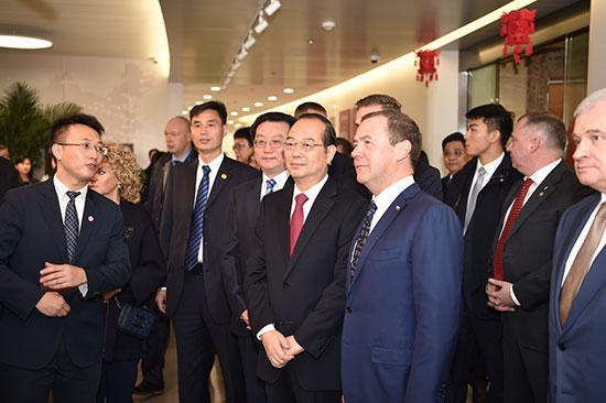 梅德韦杰夫问好中国网友:感谢关注中俄关系发展
