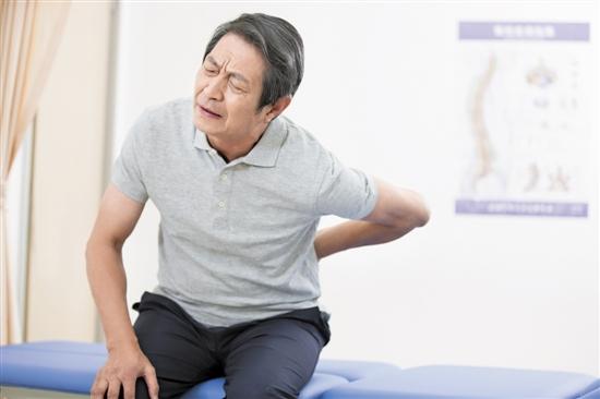 老年人腰酸背痛或是骨质疏松惹的祸
