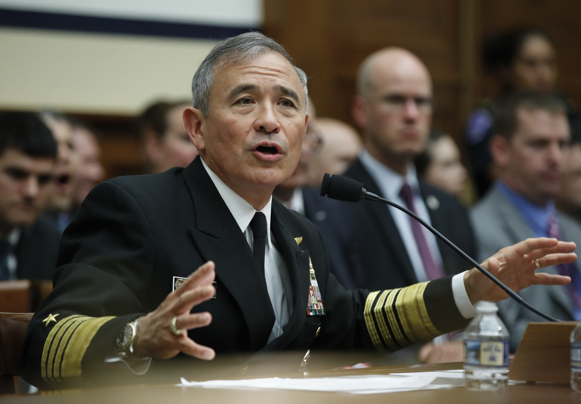 社评:中美两国关系决不可让美军将领执牛耳