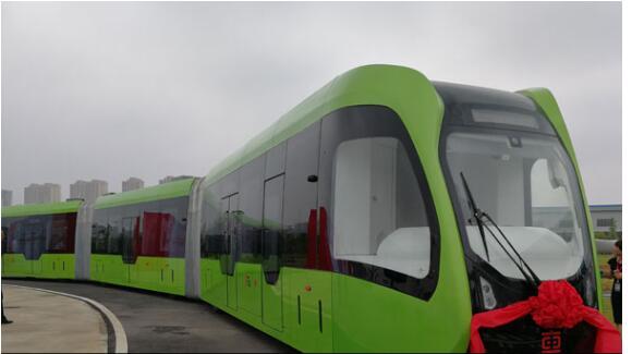 跨界之作!中国智能轨道快运列车引发外媒关注