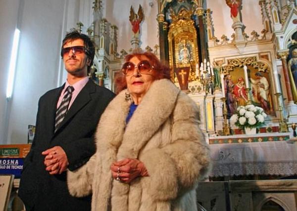 阿根廷小伙娶91岁伯祖母 丧偶后领抚恤金被拒