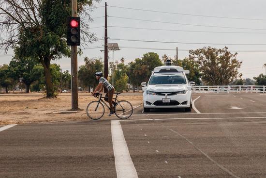 谷歌无人车首次公开测试,但结果令人担忧