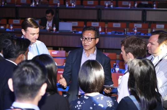 """阿里Q2财报创纪录,蔡崇信:中国前所未有的增长是阿里的""""好兆头"""""""