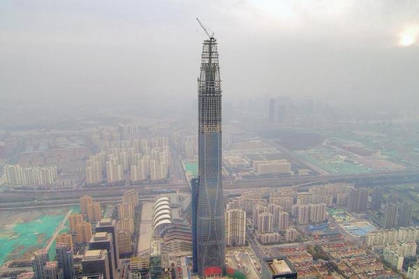 """北方在建第一高楼""""加冕""""530米:两天一层楼"""