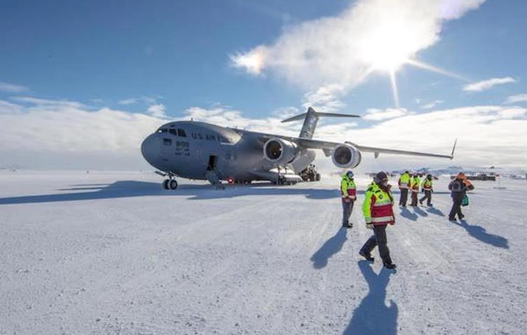 科学家探索南极:打穿冰层探秘海底生态