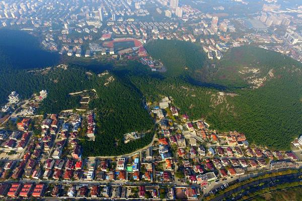 山东济南:这片别墅面临拆除