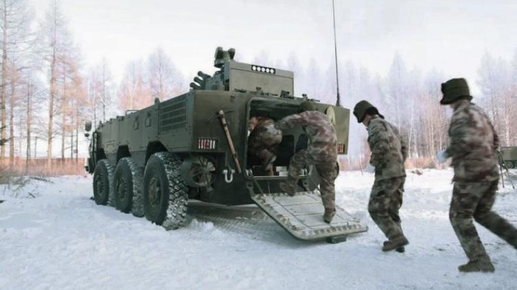 简氏:中国测试新型两栖装甲车 配无人炮塔