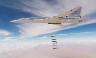 """俄军罕见一次出动6架""""逆火""""轰炸机进行空袭"""