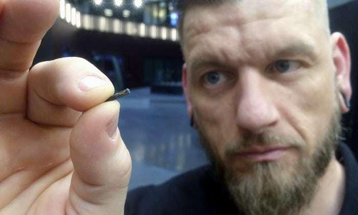 现有功能还很少,你愿意打一针把芯片植入体内吗