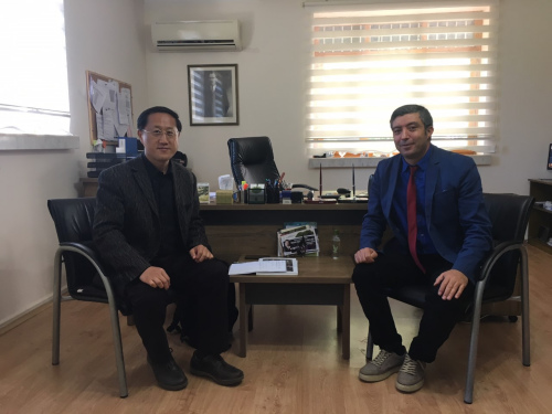 倪副总领事约见旅游局负责人。