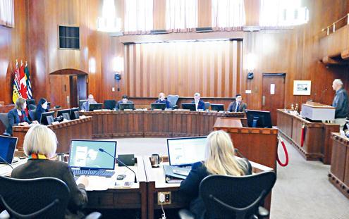 温哥华市议会全票通过就排华史道歉 明年4月举办仪式