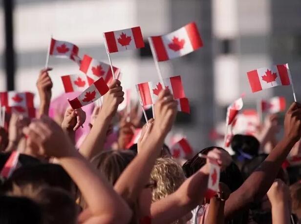 拟3年吸纳百万人 加拿大指望移民保繁荣