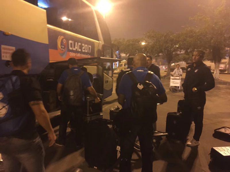 刚刚,巴西格雷米奥足球俱乐部队员抵达珠海
