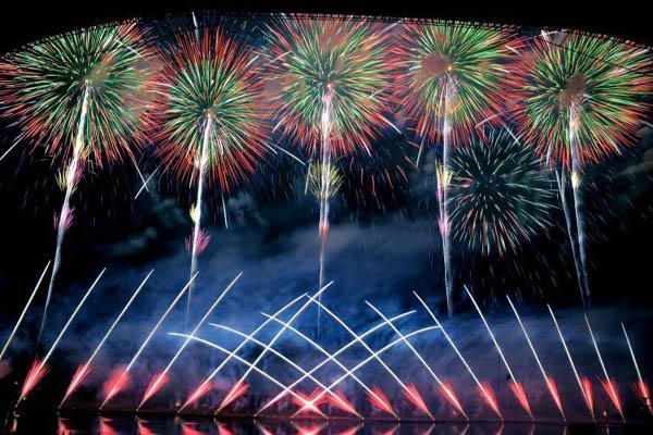 中国国际花炮文化节 数万人共享焰火盛宴