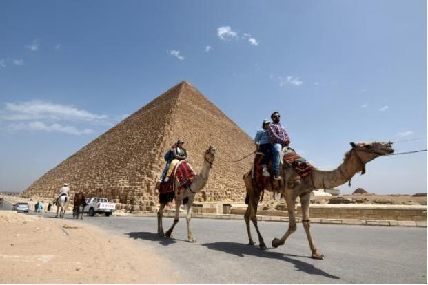 大金字塔惊现新墓穴 埃及考古学家提出异议