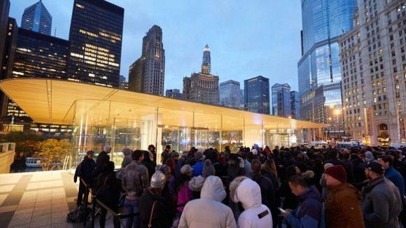 iphone X在美20个城市售罄 排队盛况创历史纪录