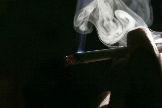 美国研究发现:现金激励有助于瘾君子戒烟