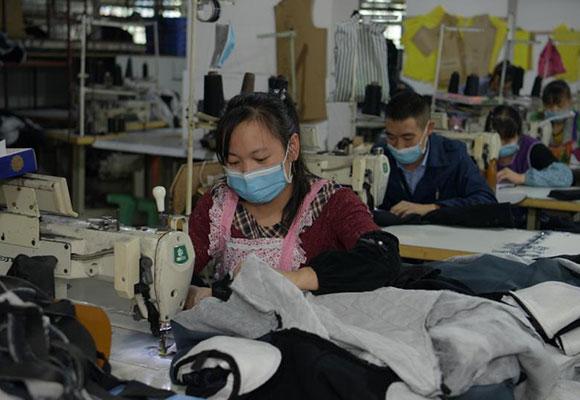 成都淘宝村备战双11:上万工人加班制衣