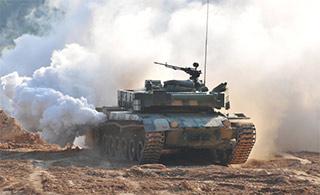 96式坦克高速行驶浓烟滚滚真相
