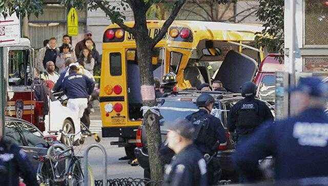 美恐袭受伤华裔师生集体返校 显示不畏恐袭决心