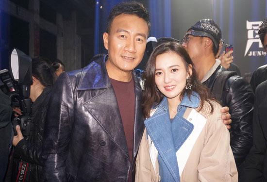 胡军时装品牌2018新品发布 美女江铠同现身助阵