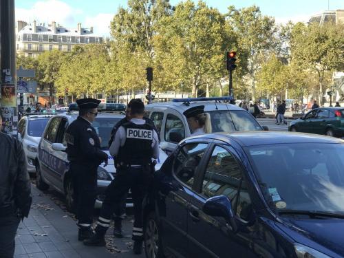 法媒:巴黎劫匪用催泪瓦斯袭中国游客 治安令人忧