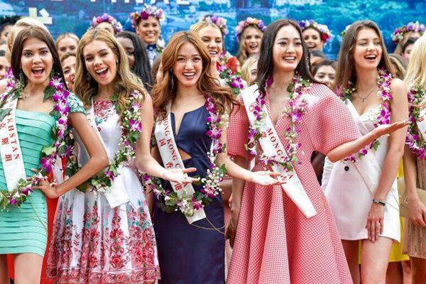 第67届世界小姐总决赛佳丽集体亮相三亚
