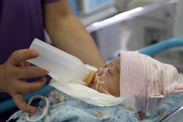 上海首个重症新生儿人乳库在儿科医院成立