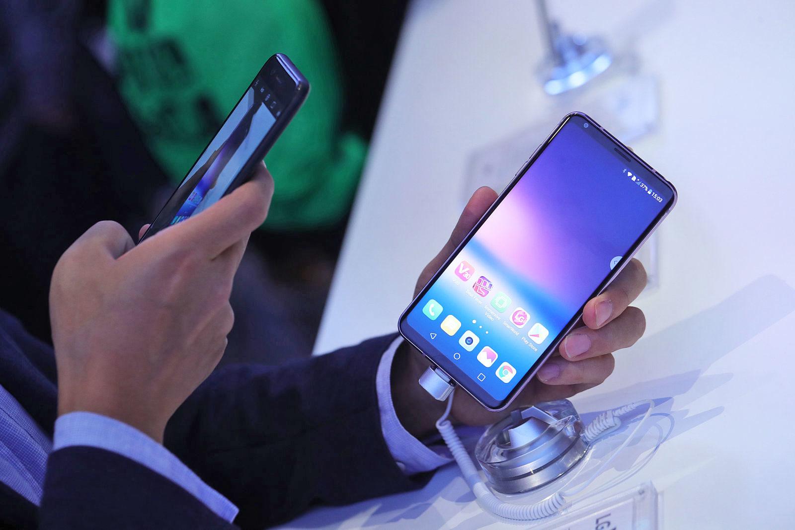 不甘示弱!LG将在11月中发布新机V30+