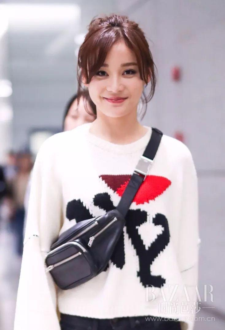 刘萌萌为什么用配�_你有再多的包有什么用?都不如我这款挎着时髦!_时尚_环球网
