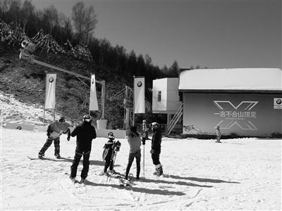 崇礼各雪场正式开门迎客 在校大学生可免费滑雪