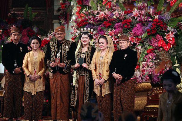 印尼总统女儿出嫁 传统爪哇式婚礼宴请8000宾客