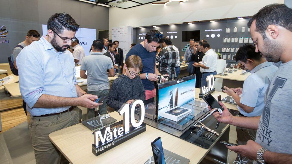华为在迪拜开设首家体验店 提供完整零售体验