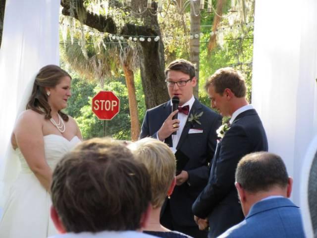 这样的婚礼照新人看见要气死图片