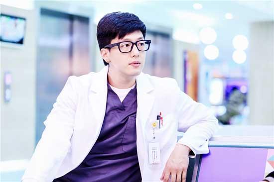 《儿科医生》将播 凌潇肃首演医生亮点多