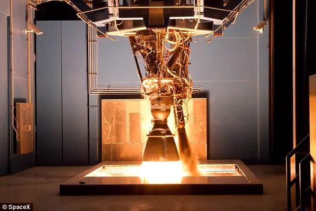 Space X公司猎鹰9号火箭测试时爆炸:无人员伤亡