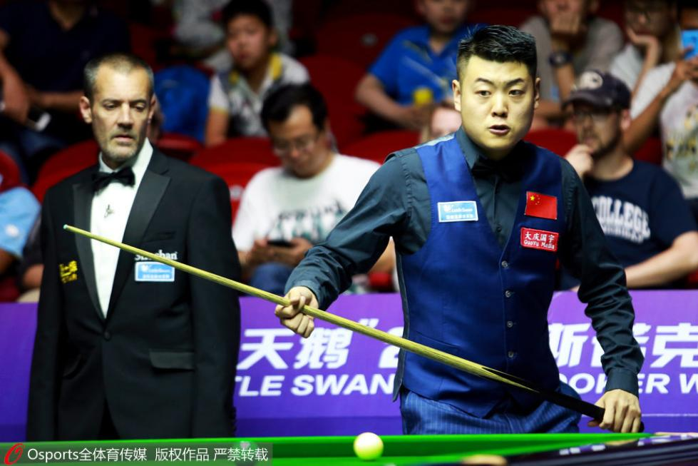 冠中冠梁文博3-4负塞尔比 中国军团全部首轮出局
