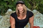 俄女举重运动员体格惊人