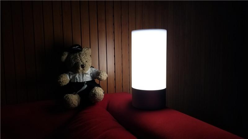 支持1600万种灯光颜色 小米米家床头灯图赏